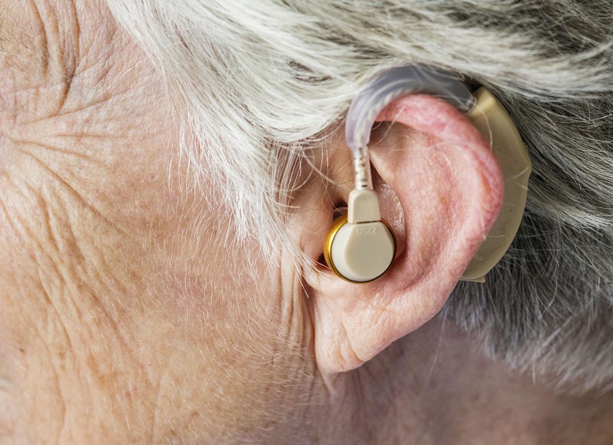 100 % Santé : la qualité des appareils auditifs est-elle à la hauteur ?