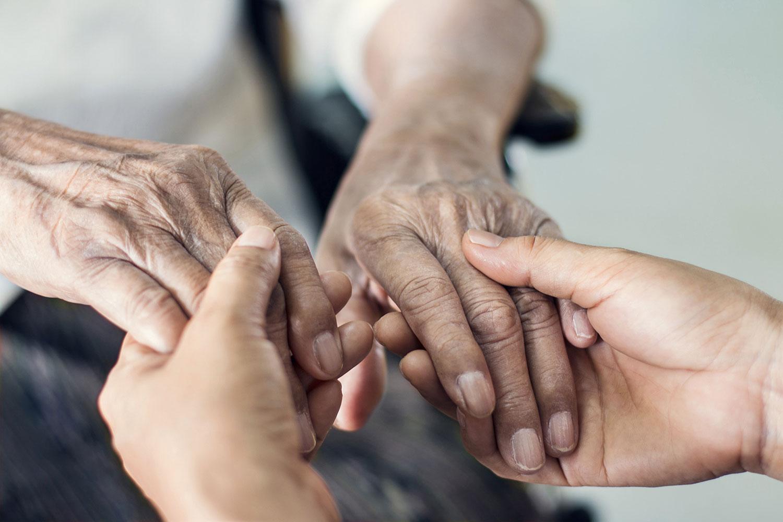 Soutenir les aidants, un défi pour les complémentaires santé